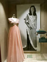 Phyllis George's dress from Miss America Pageant in 1971