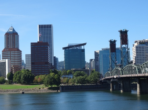 City and Hawthorne Bridge View, Portland
